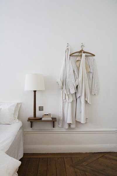 10 space saving solutions for small bedrooms blog hipvan for Space saving solutions for small bedrooms