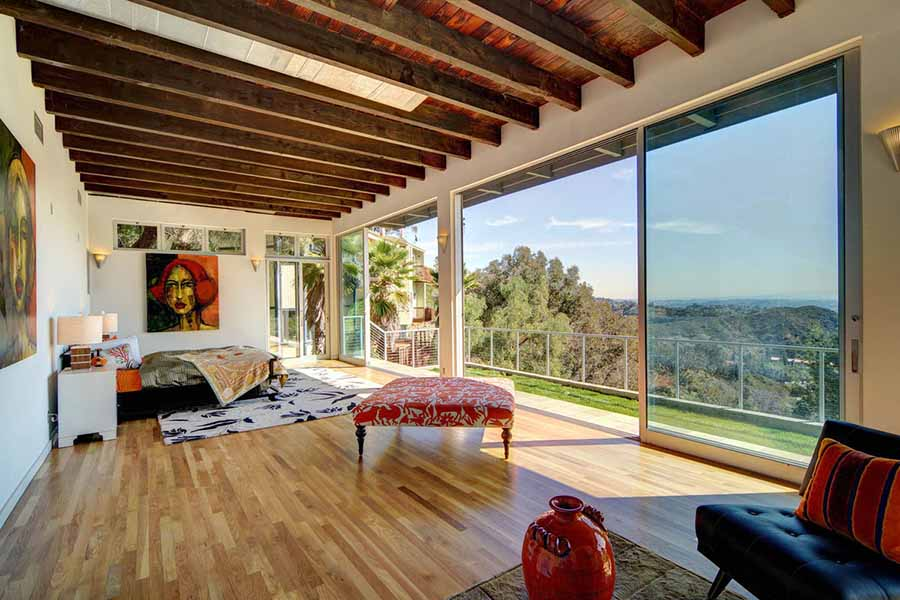 8 Celebrities Under 30 With Fascinating Homes - The HipVan Blog